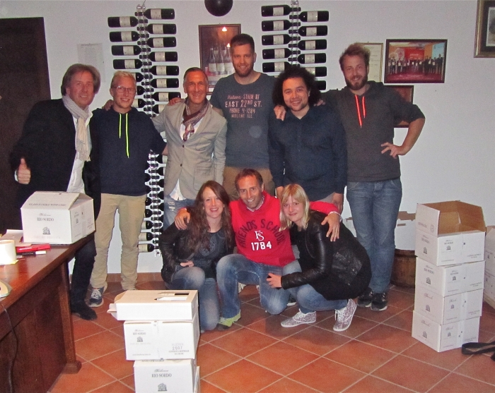 Il gruppo a Cascina Bruciata - friends from Italy, Germany, and Denmark all in one place at one time! Fantastico!